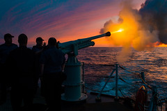 Night Colours (Royal Canadian Navy / Marine royale canadienne) Tags: armes cadets communications coucherdusoleil domestic eau extérieur formation hmcstoronto marine militaires militaries national navires navy outdoors ships sunset training weapons water quebec canada can artillery gunsalute muzzleflash