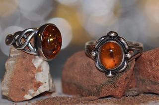rocks sand amber
