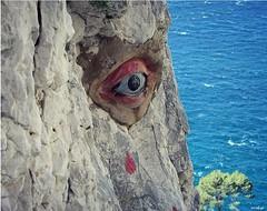La calanque de l'oeil de verre (Missfujii) Tags: calanques œil escalade parois rocher mer