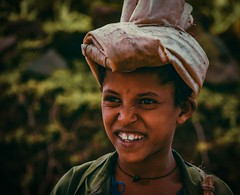 Dareshe Girl (Rod Waddington) Tags: africa african afrique afrika äthiopien ethiopia ethiopian ethnic etiopia ethnicity ethiopie etiopian omovalley omo outdoor outdoors dareshe tribe traditional tribal cultural culture girl portrait people