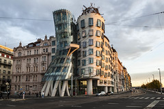 Bailando con el otoño Checo - Dancing with Czech´s Autumn (Tate Kieto) Tags: city prague urban building architecture