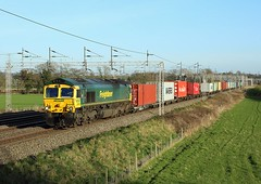 66568, Rugeley,  24 March 2017 (Mr Joseph Bloggs) Tags: freightliner rugeley trent valley wcml felixstowe crewe basford hall 4m88 emdjt42cwr emd gm general motors electro motive division bahn railway railroad train treno merci freight cargo intermodal container 66 66568