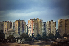 Çıkış (Melissa Maples) Tags: antalya turkey türkiye asia 土耳其 nikon d3300 ニコン 尼康 nikkor afs 18200mm f3556g 18200mmf3556g vr skyline meltem balcony mosque flats apartments buildings clouds autumn