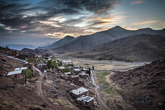 Oukaïmeden mountain village. Early morning shot. (icarium82) Tags: sonydscrx1rm2 carlzeisssonnar35mmf20 village mountain dawn morocco atlas africa marokko ukaymedan oukaïmeden ⵓⴽⴰⵢⵎⴷⴰⵏ marrakech marrakesch view scenic morning clouds hdr sunrise autofocus