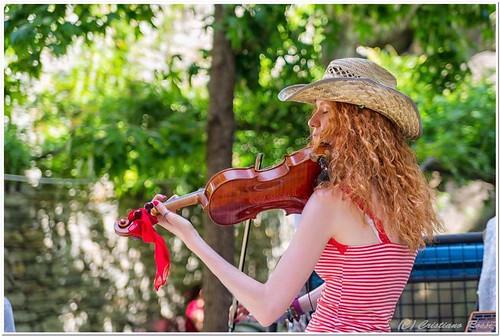 @alice_k_visconti 🎻#violinista #popolare #gipsy #classica  #irlandese #folk #rock #celtica 💐 #balcanica 🎼 #dalvivo #celtic 🎥#elettritv #musica #live #music #sottosuolo #violin #ivrea #piemonte #italia #tibervalley