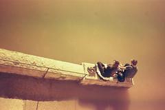 Lyon Color implosion 352 (L.la) Tags: lyon quaisdesaône rhône france eu europe europa europeonflickr konica autoreflex hexanon pancake film argentique jobocpe2 jobo cpe2 tetenal c41 24x36 street stphotography water laurentlopez lla