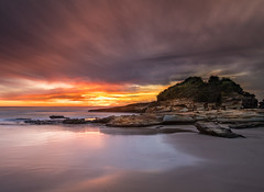 Morning Light, South Durras Point (Rod Burgess) Tags: durrascreek durraspoint nsw southdurras sunrise newsouthwales australia au dawn canoneos5dmarkiv canon1635mmf4l clouds reflections beach