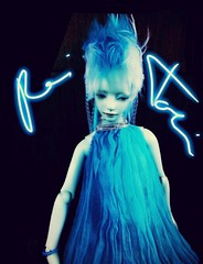 Rei Toei as Cyberprincess (tarengil) Tags: signature bjd abjd asian doll electric blue cyberlox cyberpunk cyberprincess neon black dreads dreadlocks background tender idoru dollmore zaoll luv zaolluv