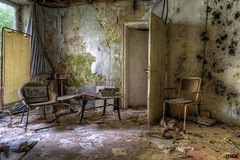 4 (urbex-crew) Tags: urbex villa dranna germany abandoned verlassen decay urology destruction