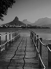 Do outro lado... MCris (MCrissssss) Tags: lagoa preto branco paisagem ponte água