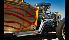 Moon Flames (Whitney Lake) Tags: 2017 louisville nsra carshow nationalstreetrod red yelliw blue orange badass chrome buckett flames mooneyes hotrod
