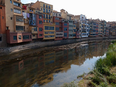 R001373217-23 (L.la) Tags: gerona gérone girona catalogne espagne espana eu europe europa europeonflickr river rivière water reflet refleturbain urban paysage grandangle grd grdiii ricoh ricohgrd hdr 28mm laurentlopez lla wideangle