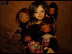 Family Portrait (Seiji-Univers) Tags: seijiunivers seiji balljointeddoll bjd tan dad father family child parent msd msdboy male withdoll hybridation jeanluc beard doting hug portrait children toddler tiny dollchateau sleepy nefer kane circus vali jann lucca jeannelroger jarancelydia jamorthérèse cute