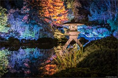 Jardins de lumière -  Jardin japonais, la lanterne (StefDenis) Tags: constructionesplanadeplaceetjardin jardinbotaniquedemontréal jardinjaponais jardinsdelumière httpcalendrierespacepourlaviecajardinsdelumiere évennementexpositionmuséespectacle montréal québec canada ca