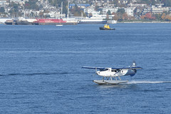 Taking Off (luke.me.up) Tags: nikon d850 plane seaplane floatplane vancouver coalharbour