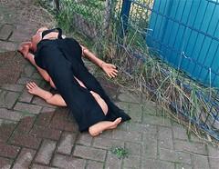 De dummy (Roel Wijnants) Tags: ccbync roelwijnants roelwijnantsfotografie roel1943 brandweer pop dummy opleiding examen duiker redding auto oefenreddingspop denhaag thehague mooidenhaag wandelen wandelvondst hofstijl haagspraak acitytolove absolutelythehague city hofstad leesdevoorwaardenvoorgebruik duikoefeningen oefendummy's
