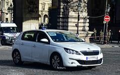 Police Paris - DRPJ (Arthur Lombard) Tags: police policedepartment policecar peugeot peugeot308 dcpj policejudiciaire gyrophare gyroled bluelight emergency unmarked nikon nikond7200 911 999 112 17 paris france street