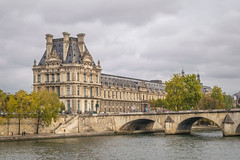 Palais du Louvre (from across the Seine) (Aliy) Tags: louvre museum artmuseum artgallery paris france river seine palais palaisdulouvre palace landmark