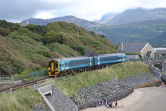 Arriva Trains Wales Express Sprinter 158828 (Will Swain) Tags: barmouth 26th august 2017 arriva trains wales express sprinter 158828 class 158 828 atw group cymru west coast train rail railway railways transport travel uk britain vehicle vehicles country england english