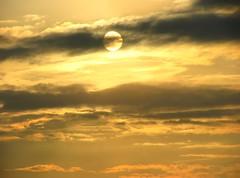 * Il sole oscurato all'alba * Obscured the sun at sunrise  * (argia world 1) Tags: alba sunrise cielo sky nuvole clouds autunno autumn contactgroups