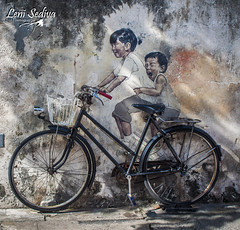 Malaysia - Penang´s street art (Leni Sediva) Tags: asia seasia penang malaysia street streetart art bike painting drawing children kids people peopleofasia 3d hunt treasure backpacking bucketlist backbound biking cititour walking hiking czechoutmytravels czechgirl canon colours history lenisediva lonelyplanet worldnomads thirdworld exposure explore dreamscometrue friendship siblings play playground love holidays journey ride traveling travelling thebestphoto portrait youngpeople wall