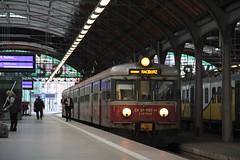 PR EN57-1180 , Wrocław Główny train station 11.10.2017 (szogun000) Tags: wrocław poland polska railroad railway rail pkp station wrocławgłówny ezt emu set electric en57 en571180 pr przewozyregionalne train pociąg поезд treno tren trem passenger commuter regio 643001 d29132 d29271 d29273 d29276 d29285 d29763 e30 e59 dolnośląskie dolnyśląsk lowersilesia canon canoneos550d canonefs18135mmf3556is