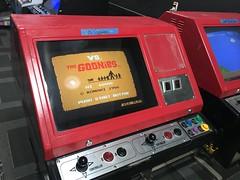 Nintendo Vs arcade machines.  #nintendo #videogames #retrogaming #arcade #supermariobros #nes #pinballmadness (djdac) Tags: pinballmadness nintendo videogames retrogaming arcade supermariobros nes