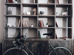 #greatproducts #day21 #bicycle #vintage #roadbicycle #bookshelf #books  Pic from https://unsplash.com/roman_lazygeek 👏  Amazon Link, bicycle : http://amzn.to/2xzwo25 (promazlyproducts) Tags: bicycle greatproducts roadbicycle vintage books bookshelf day21