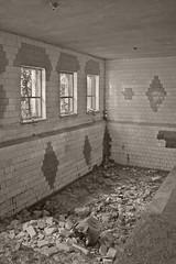 _MG_6632 (daniel.p.dezso) Tags: kiskunmajsa laktanya orosz kiskunmajsai majsai former soviet barrack elhagyatott urbex abandon pool abandoned military base militarybase