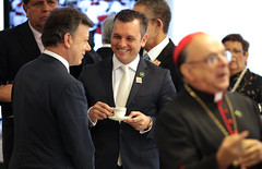 "PM-Schotte-meets-with-President-of-Colombia-Juan-Manuel-Santos-in-Brazil • <a style=""font-size:0.8em;"" href=""http://www.flickr.com/photos/137313818@N05/36864015063/"" target=""_blank"">View on Flickr</a>"