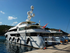 Mega yacht (kjbax) Tags: mallorca portdesoller portdesóller illesbalears spain es