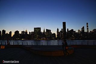 LA CIUDAD DE LAS LUCES. THE CITY OF LIGHTS. NEW YORK CITY