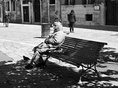 Hidden Venice n. 4 (Franco & Lia) Tags: street fotografiadistrada photographiederue venezia venice veneto loneliness sadness blackandwhite biancoenero noiretblanc bench panchina blackdiamond
