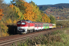 757 017-9 by MarSt44 - Slovenská republika .Horná Štubňa zastávka 16.10.2017