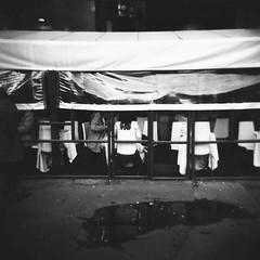 Milano (Valt3r Rav3ra - DEVOted!) Tags: holga holgacfn lomo lomography toycamera plasticcamera medioformato milano 6x6 120 film mediumformat bw biancoenero blackandwhite ilford ilfordfp4 streetphotography street urbanvisions valt3r valterravera visioniurbane