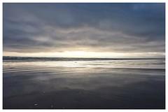 Le crépuscule des idoles, Tréguennec part 6 (spotfer) Tags: tréguennec bretagne kermabec beach clouds sunlight sun light crépuscule sunset landscape fujifilm fujix potfersebastien