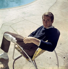 32 (cinenegro50) Tags: color portrait sitting leaning tennisshoes sneakers sweater striped pinstripe pinstriped pinstripes lawnchair pool poolside