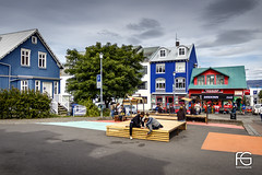 Living in Iceland (Fabien Georget (fg photographe)) Tags: living bâtiment city houses iceland islande landscape paysage sky ayezloeil beautifulearth bigfave canoneos600d canon elitephotography elmundopormontera eos fabiengeorget fabien fgphotographe flickr flickrdepot flickrunited georget geotagged flickunited mordudephoto paysages perfectphotograph perfectpictures wondersofnature wonders supershot supershotaward theworldthroughmyeyes shot photography photo greatphotographer french touch monument eau waterscape reykjavik