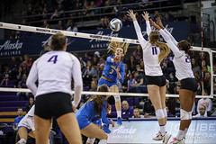 UW UCLA-FT4I0725 (Pacific Northwest Volleyball Photography) Tags: volleyball ncaa pac12vb washington uwhuskies universityofwashington ucla