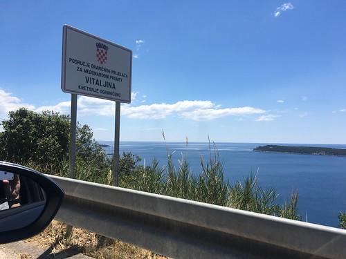 Border crossing sign at the Croatia Montenegro border