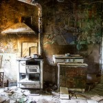 Alice & Nelly - The Kitchen thumbnail