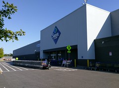 Southaven Sam's Club - front entrance and beyond (l_dawg2000) Tags: 2017remodel apparel café desotocounty electronics food gasstation meats mississippi ms pharmacy photocenter remodel samsclub southaven tires walmart wholesaleclub unitedstates usa
