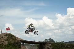 Motocross Aculco 2 (jiturbe) Tags: race motorcycle sky clouds jump racing motocicleta carrera salto competencia cielo nubes 80200mmf45n motocross