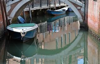 Rund und Spiegelig .. ;))) * Round and mirrored .. ;))) * Redondo y espejado ..  ;))) *   .  DSC_1480-001