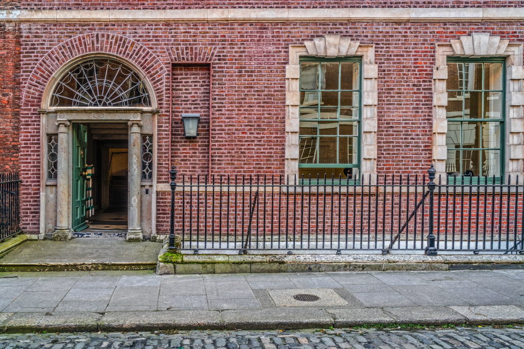 11 HENRIETTA STREET [DOORS OF DUBLIN]-133450