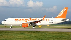 G-EZOI (AnDyMHoLdEn) Tags: easyjet a320 egcc airport manchester manchesterairport 23l
