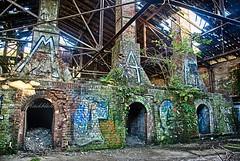 Kaminöfen - alte Ziegelei - HDR (gabrieleskwar) Tags: lost place deutschland niederrhein alt kaminofen graffiti ruine mauern bunt licht schatten blätter