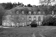 Abbaye Notre-Dame-de-Joye, commune d'Hennebont (Bretagne, Morbihan, France) (bobroy20) Tags: harasnationaldhennebont haras abbaye monument lorient hennebont architecture france morbihan abbayenotredamedejoye
