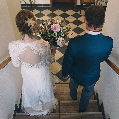 """Der aufregende Gang der Braut mit dem Brautvater zur Trauung! 🌸#freietrauung #braut #brautvater #hochzeit #wedding #ceremony #braut2018 #sayyes #berlinerbraut #tietheknot #instabraut #instabräute #love #mrsandmr #hochzeit2018 #forever #bett • <a style=""""font-size:0.8em;"""" href=""""http://www.flickr.com/photos/83275921@N08/37256257064/"""" target=""""_blank"""">View on Flickr</a>"""