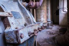 |||---c-R-e-E-p-Y---p-L-a-C-e---||| (Tom Zander) Tags: creep creepy gruselig lost place places ort orte verlassen verlassene rost rosty rostig architektur nahaufnahme makro macro horror schrauben muttern gebäude raum room 19mm sigma art 28 f28 explore exploration urban urbanex germany deutschland alt old oldschool vintage retro dirty dreckig landscape landschaft landschaften hdr hdri urbex